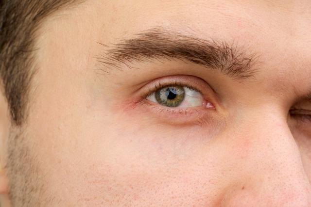 男の眉毛の普段の手入れ・整え方