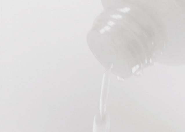 化粧水で保湿する