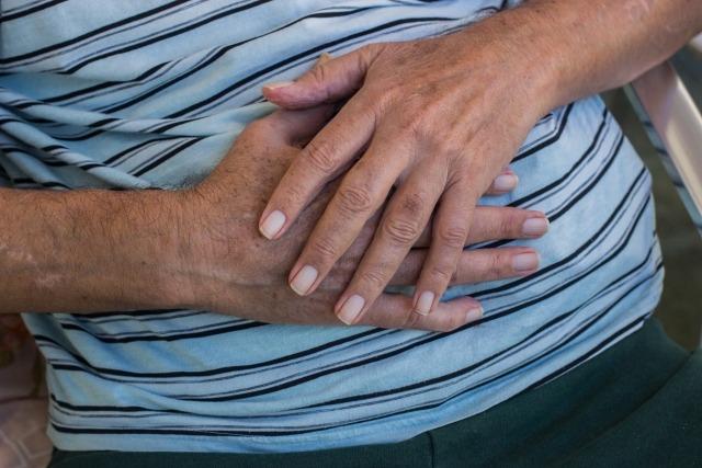 手の甲の毛はなぜ生える?