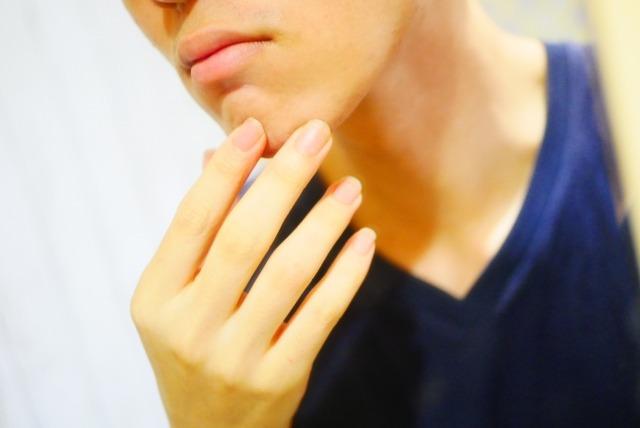 髭を抜くと肌の下で起きる変化