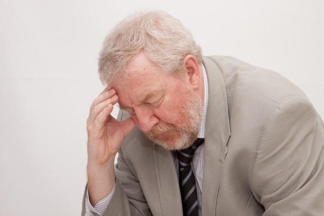 陰毛の白髪の原因は「加齢」