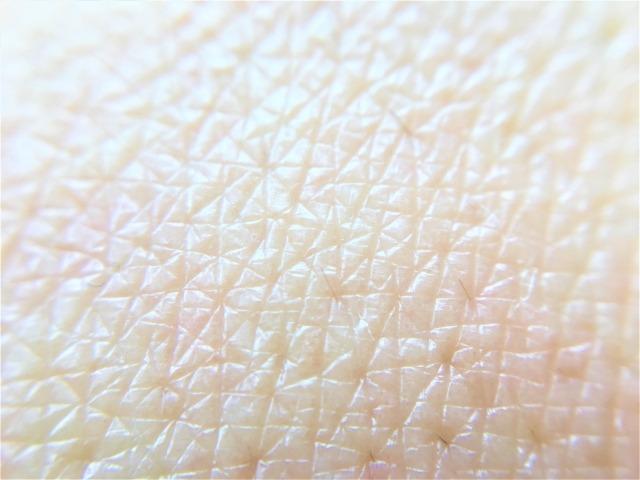 ②女性ホルモンの影響で体毛が薄い