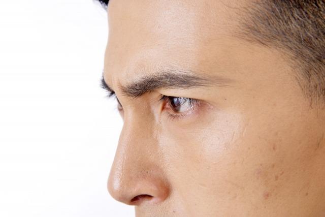 男が細い眉毛にするときの注意点