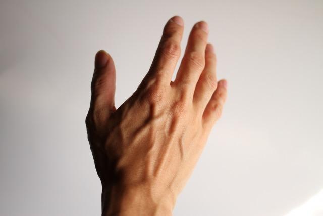 好感度アップは手の甲の脱毛から始めよう