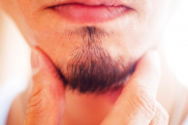髭を伸ばす男性はアリ派の女性の意見