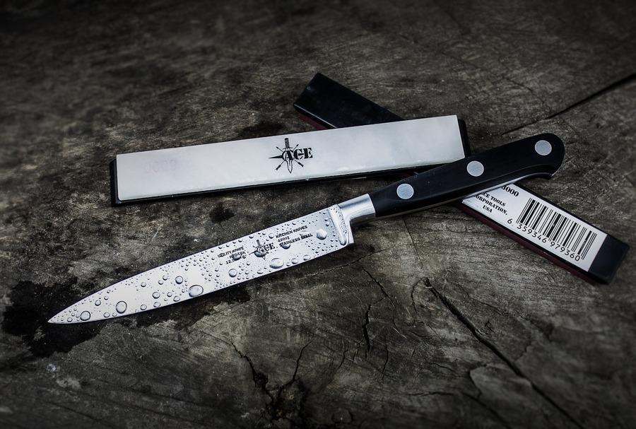 パーリングナイフとペティナイフの違いは?おすすめブランド5選も!