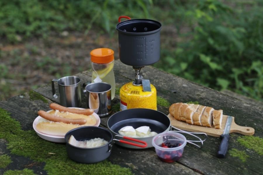 ソロキャンプにおすすめのクッカー15選!炊飯や鍋料理にも使える!