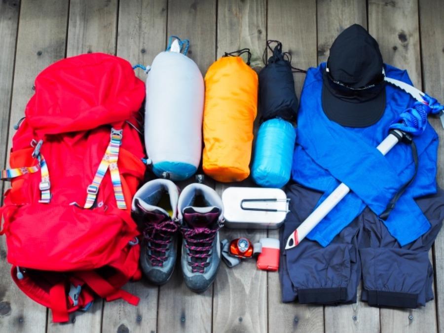 アイスアックスは冬登山に便利!選び方や使い方もチェック!