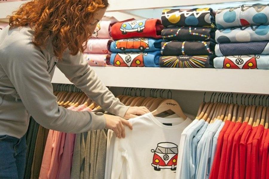 人気アウトドアブランドのおすすめのTシャツ紹介!機能性も優秀