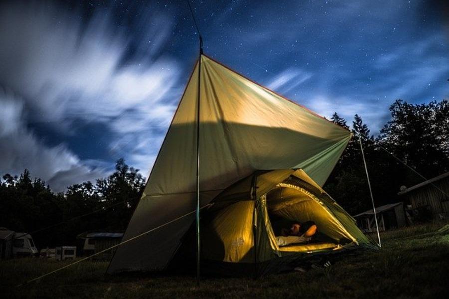 セリアのカラビナはキャンプにおすすめ!キーフックのような使い方も