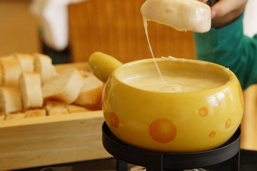【100均】ダイソーのチーズフォンデュ鍋が優秀!キャンプにも便利