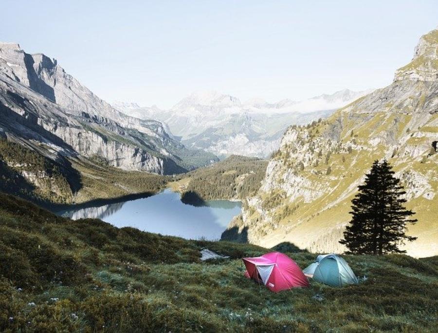 ゆるキャン聖地「陣馬形山キャンプ場」の魅力に迫る!満点の星空に癒される