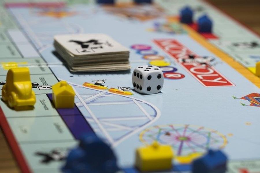 オンラインで遊べるおすすめのボードゲーム紹介!人気アプリをチェック