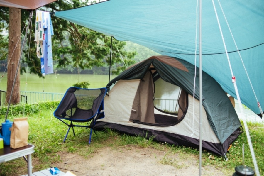 ソロキャンプにおすすめのタープ15選!コンパクト・軽量の人気アイテムも