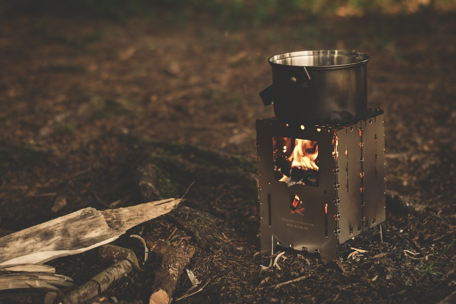 キャンプにおすすめの薪ストーブ特集!安い・コンパクトなアイテムも
