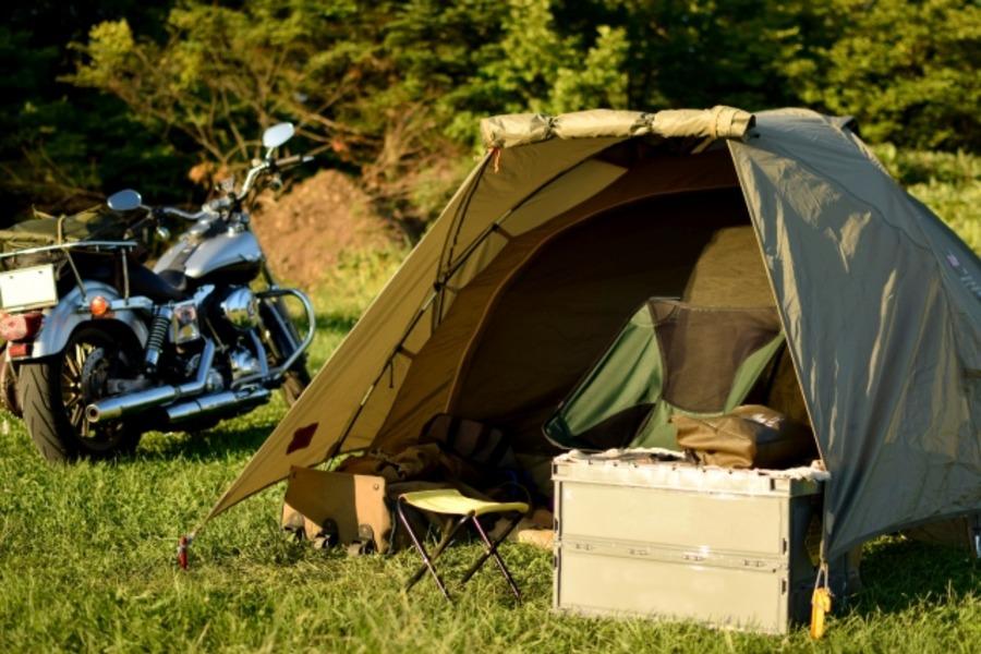 ソロキャンプの装備を軽量化しよう!バックパック一つで楽しむ方法は?