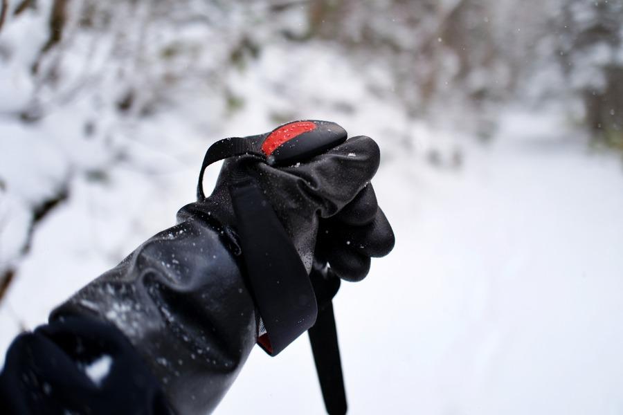 防寒テムレスを改造すれば最強に!雪山に便利なグローブのカスタム方法は?