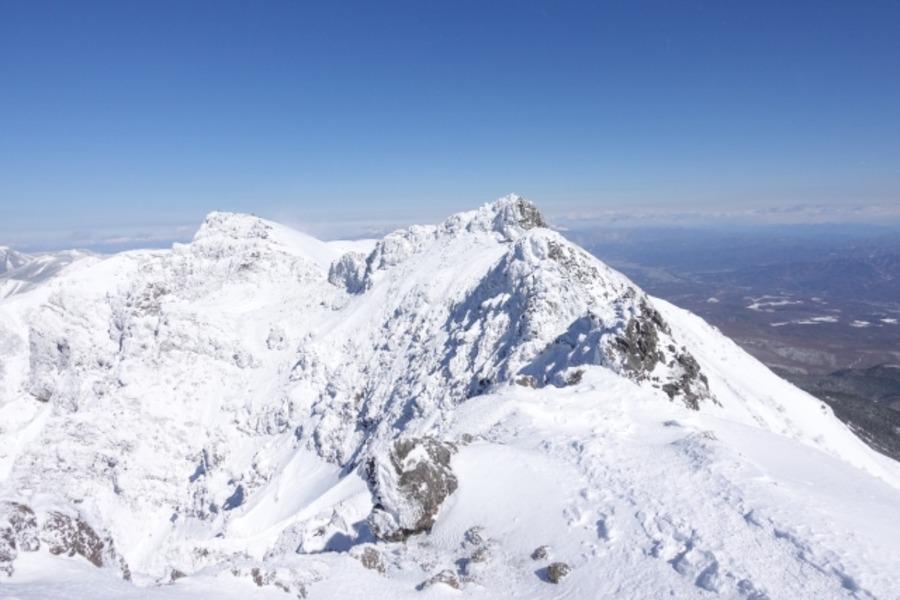 雪山登山に必要な装備は?初心者におすすめの道具や服装も!