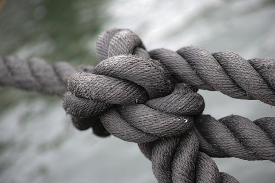 巻き結びをマスターするとキャンプで便利!詳しいやり方と活用法!