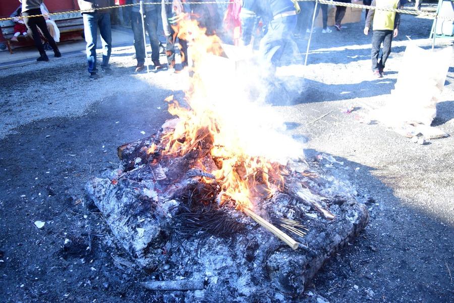 焚き火で絶品焼き芋の作り方!おいしくするコツや裏技も紹介!