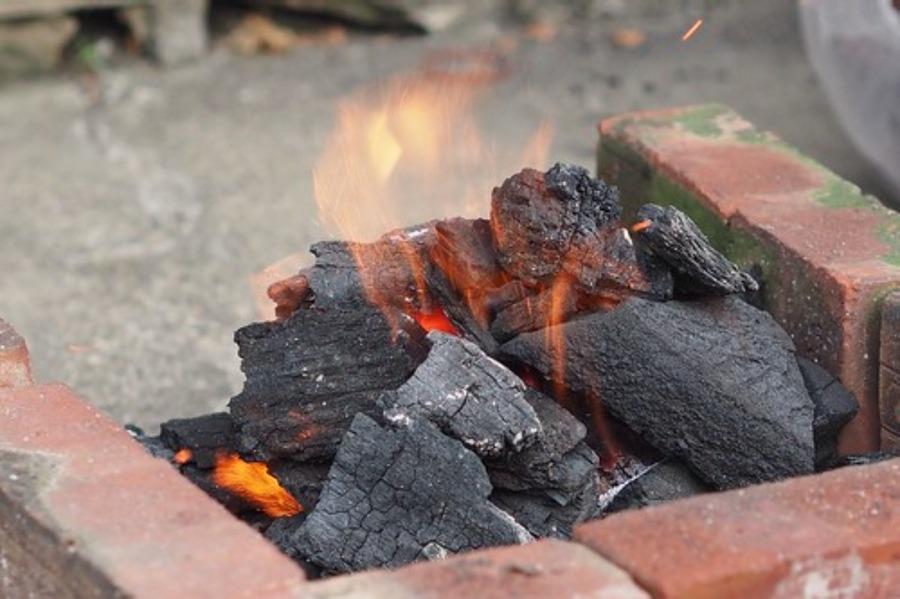 炭の保管はどうしたらいい?キャンプ時に覚えておきたい便利な知識