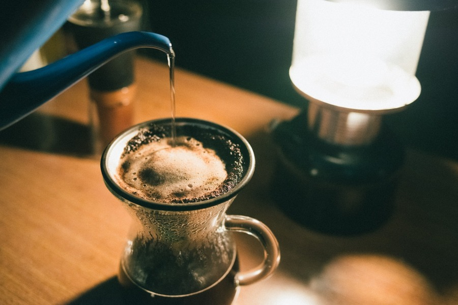キャンプでコーヒーを味わおう!淹れ方のコツや必要な道具を紹介!