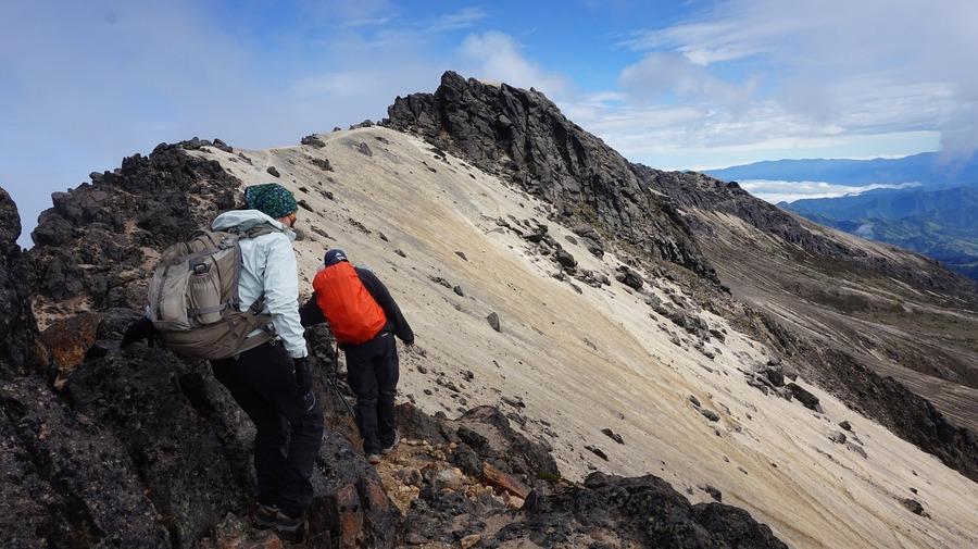 ワークマンのクライミングパンツが優秀!登山やアウトドアにも便利