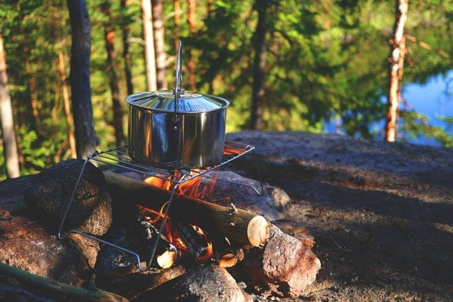 キャンプで食べたいアヒージョレシピ12選!上手に作るコツも!