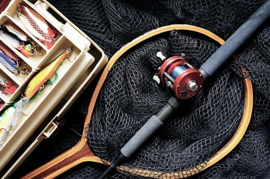 北海道の鮭釣り情報!釣れる場所や時期・河口規制もチェック!