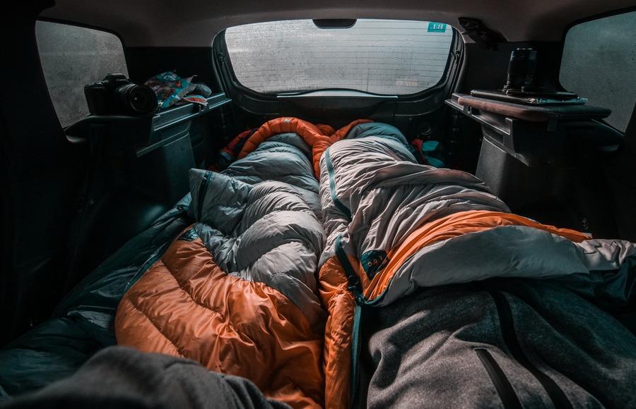 100均の銀マットはキャンプにおすすめ!テントはもちろん車中泊にも便利