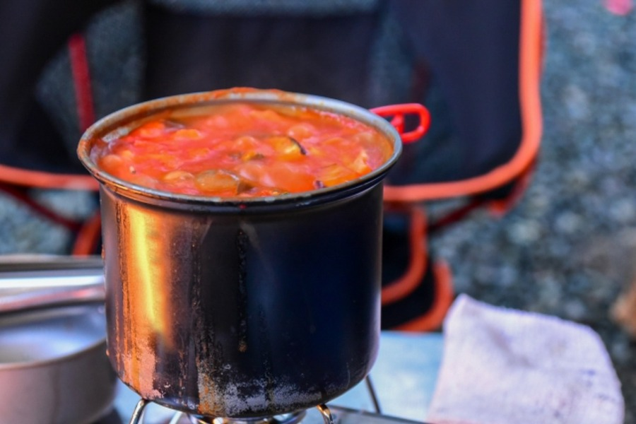 キャンプにおすすめのスープレシピ12選!簡単に作れて美味しい