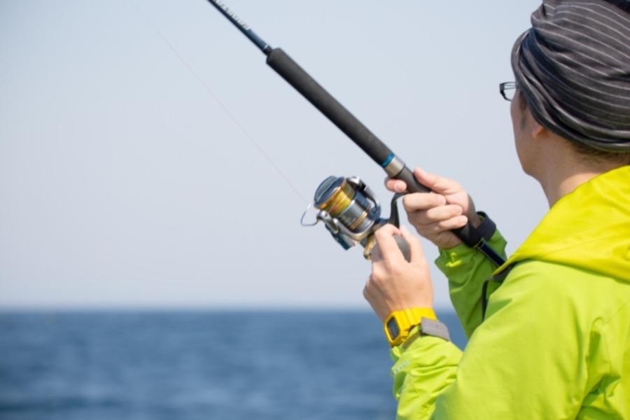 ショアジギングで魚が釣れないのはなぜ?理由や釣れない時の対処法は?