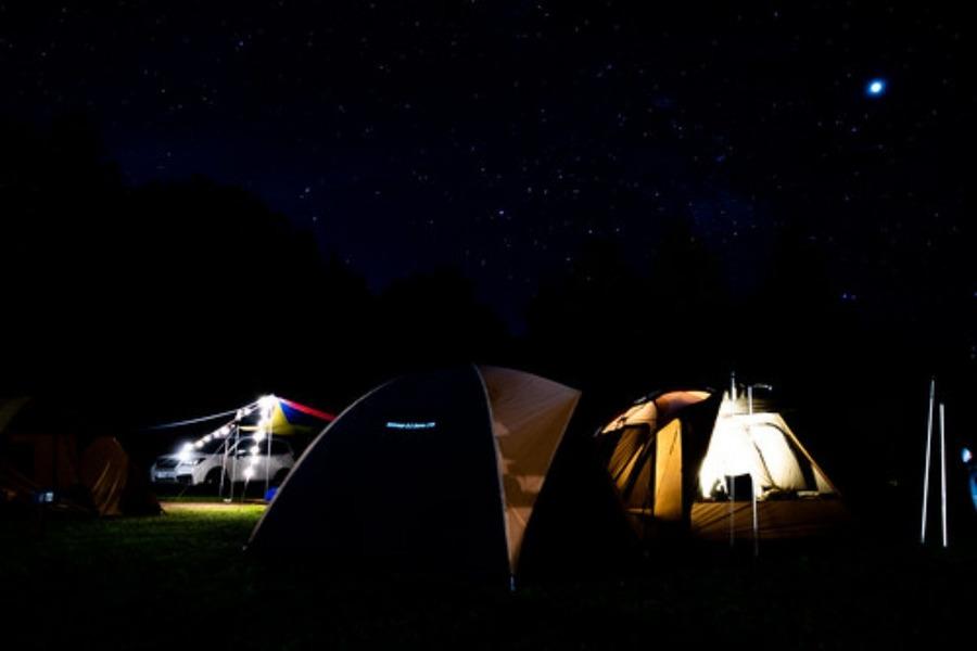 弓の又キャンプ場の魅力に迫る!星空・温泉を満喫できる人気スポット