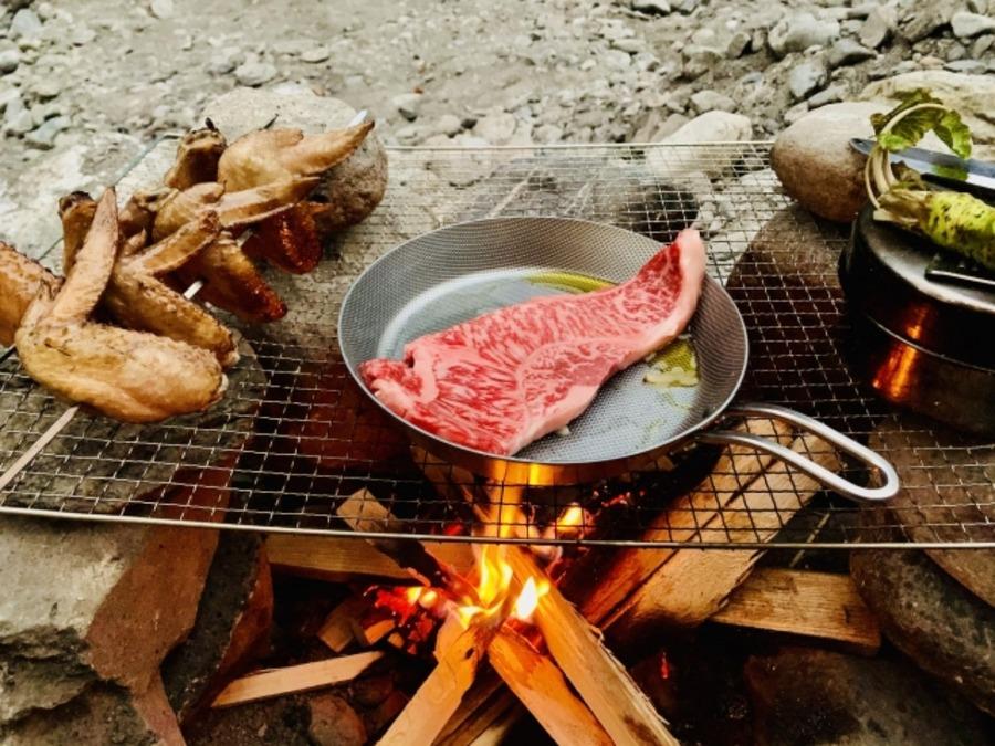 焚き火料理に使えるおすすめクッカー紹介!ステンレスなど素材もチェック