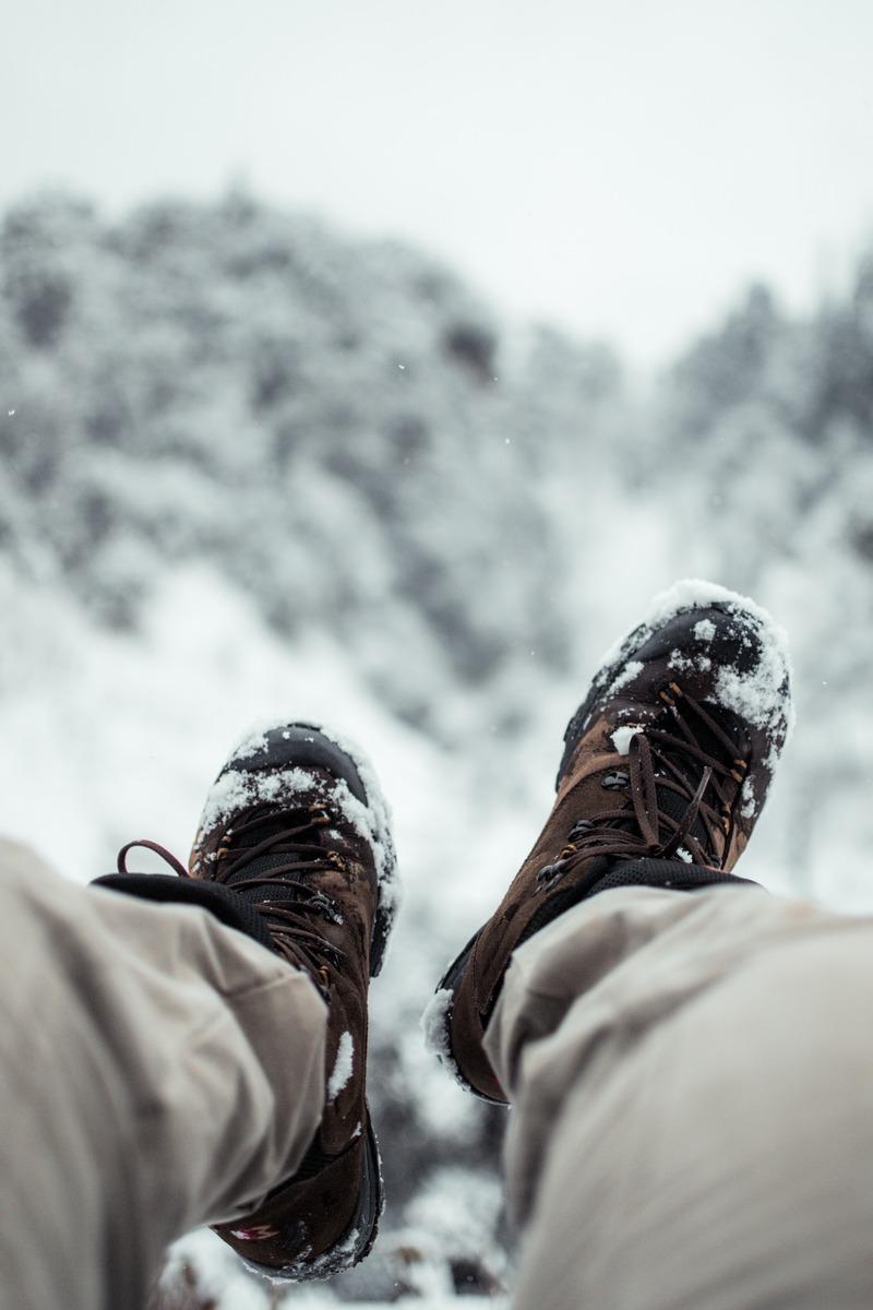 ワークマンの防寒ブーツ「ケベック」が人気!冬キャンプにおすすめ