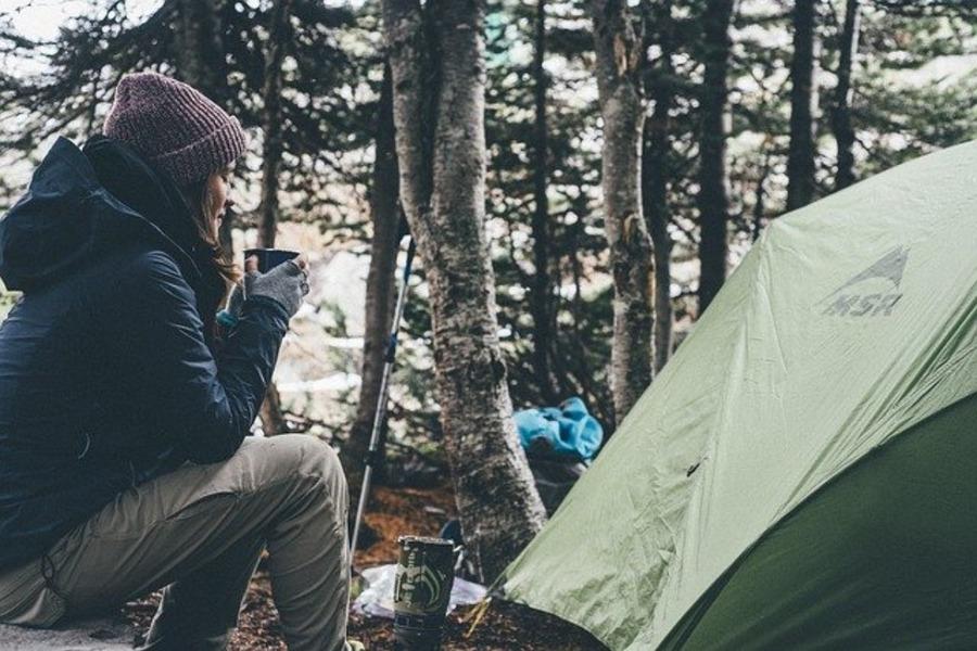 冬のソロキャンプ必須アイテムと注意点!思いっきり楽しむ方法も!