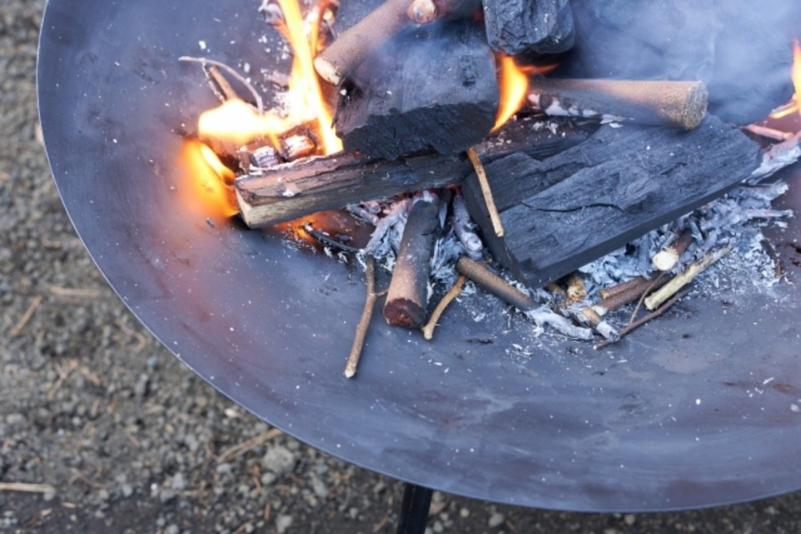 ヒロシが使っている焚き火台「ピコグリル」紹介!その他のキャンプ道具も