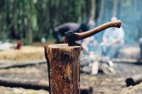 バトニングにおける棒の役割はハンマー!バトンの作り方は?
