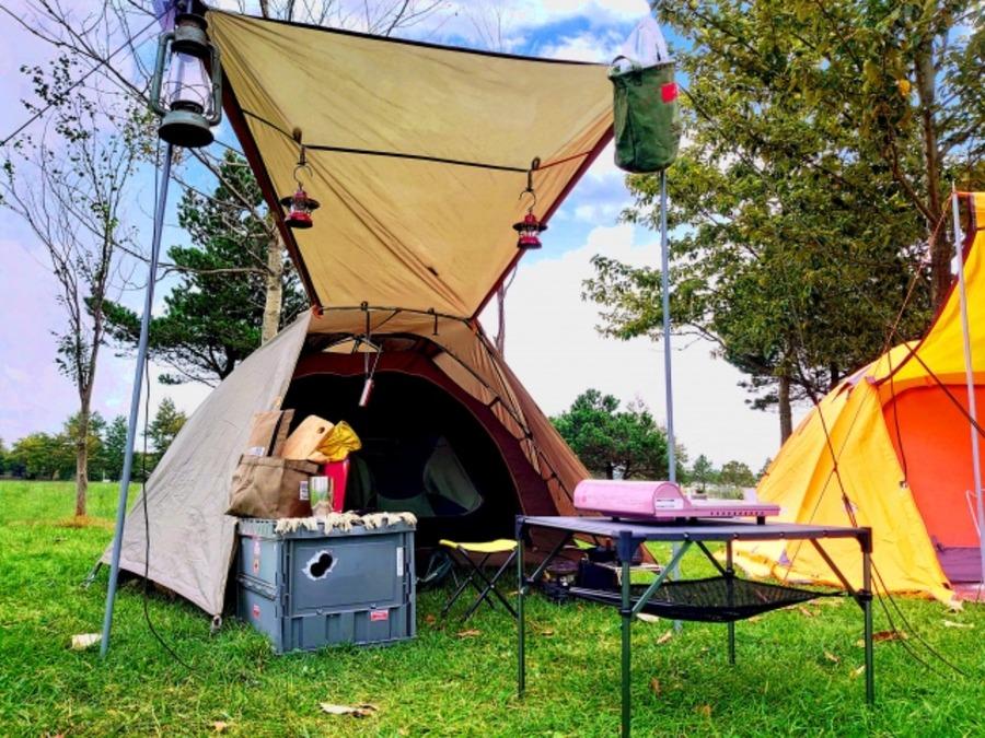 アルパインデザインでキャンプ用品をゲット!人気テントやチェアをチェック