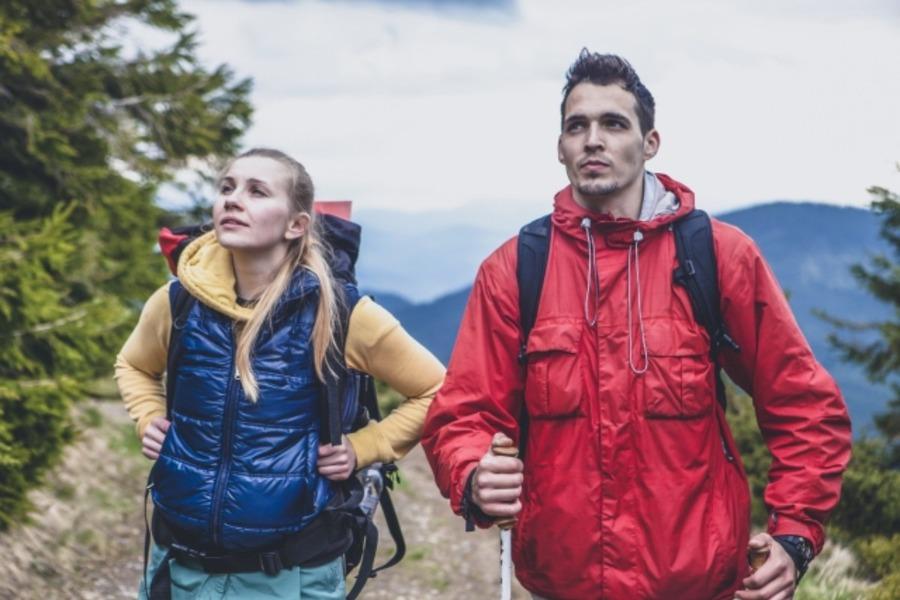 登山用のおすすめダウンを紹介!保温性に優れたジャケット・パンツは?