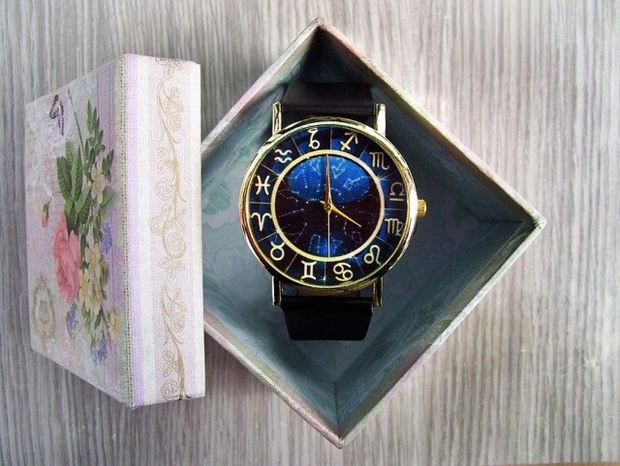 プレゼント時計の最新人気モデル20選!彼氏・彼女・友達で価格と口コミも!