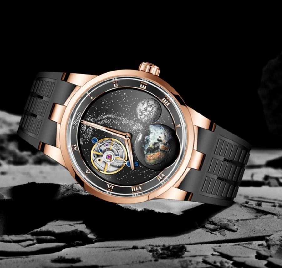 カルーセル時計が10万円台で登場!超複雑機構の芸術的な腕時計