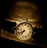 カルティエ(時計)のローマ数字の「Ⅳ」が「IIII」の理由!評判はダサいって本当?