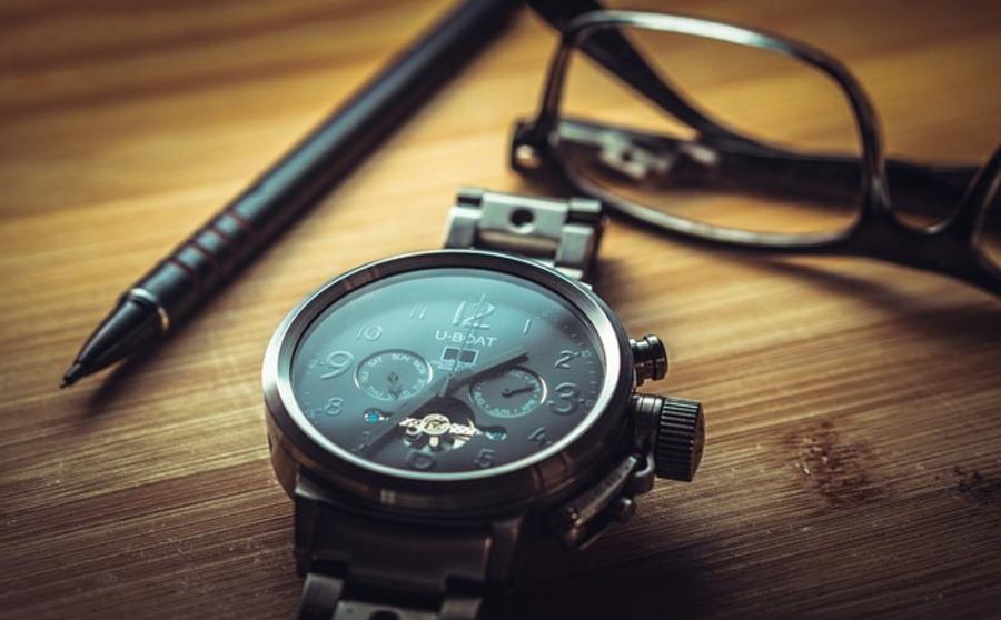 自動巻き腕時計の正しい使い方と注意点は?仕組みや特徴も紹介!