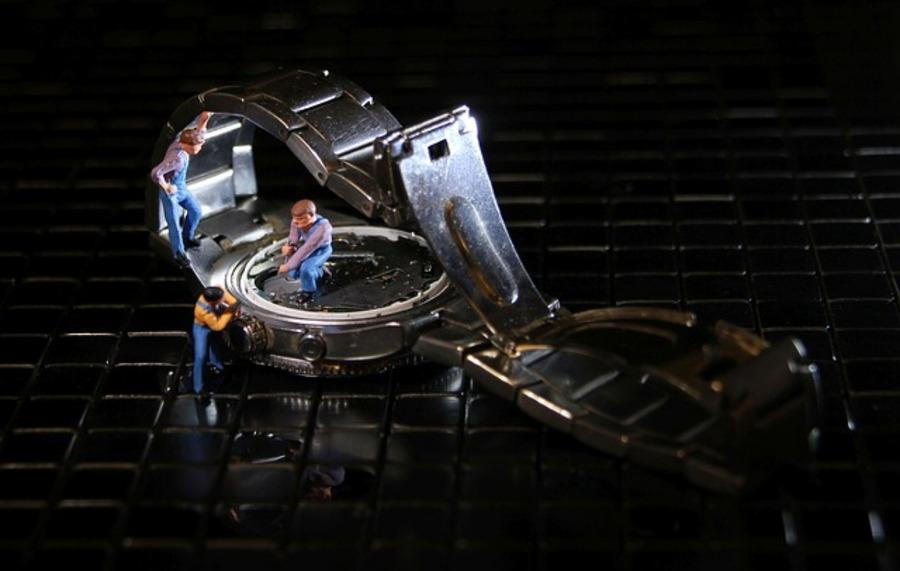 腕時計ベルト(バンド)を工具で調整する方法は?プロで任せるのもあり?