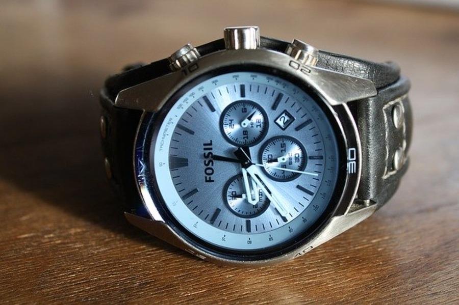 おしゃれな腕時計の最新人気モデル30選!男女別に特徴や価格、口コミも!