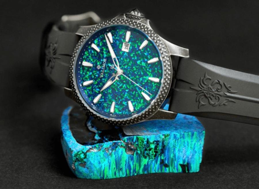 感動再び!CaliburnusIIが描く中世のロマンあふれる腕時計
