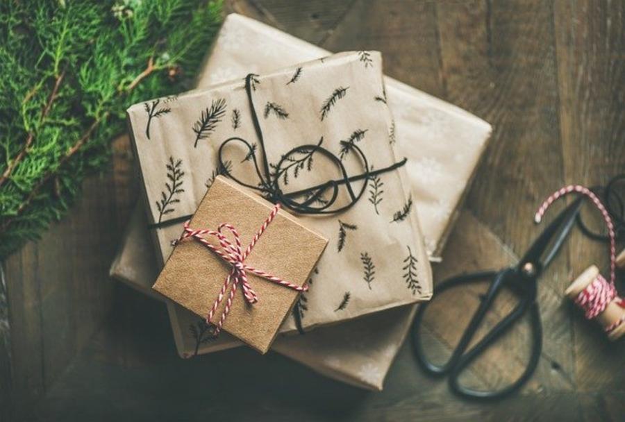 クリスマスプレゼントの人気腕時計18選!彼氏・彼女で価格も!【2021年最新】