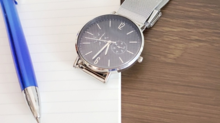 腕時計のベルトを革から金属に交換する方法!自分でやる方法と店舗の場合を調査!