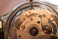 時計の裏蓋を工具なしで開ける方法は?電池交換の手順に沿って解説!